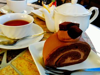 生チョコロールケーキ.png